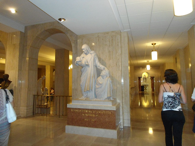 Madre Teresa de Calcuta/Mother Teresa of Calcuta, The Basilica of the National Shrine of the Immaculate Conception, Washington DC, USA - www.meEncantaViajar.com