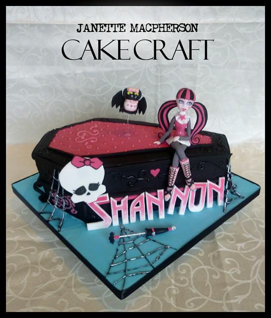 Enjoyable Monster High Cake Draculaura Coffin Janette Macpherson Cake Funny Birthday Cards Online Hendilapandamsfinfo