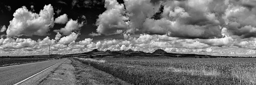 eyetwistkevinballuff eyetwist balluff norcal california clouds yuba sutter buttes sutterbuttes rice farm ranch nikon nikond7000 d7000 nikkor capturenx2 18200mmf3556gvrii pano panorama panoramic stitched photoshop nothdr yubacity cloudporn spring springtime bw black white momochrome blackwhite nik silver efex niksilverefex plowed ploughed field road vista mountains nuestro buttehouse puffy valley vanishing point vanishingpoint yubasutter landscape land rural