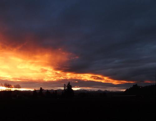 sky orange mountain color silhouette clouds contrast sunrise horizon