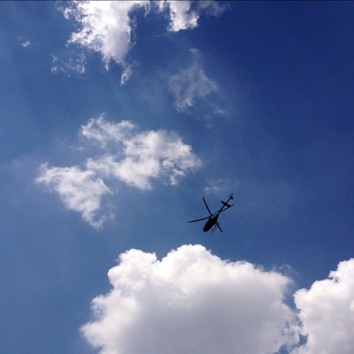 La ballena voladora #caracas #cielo #nubes #helicoptero | by cirourdaneta