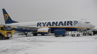 Samolot linii RyanAir | by gabinet1