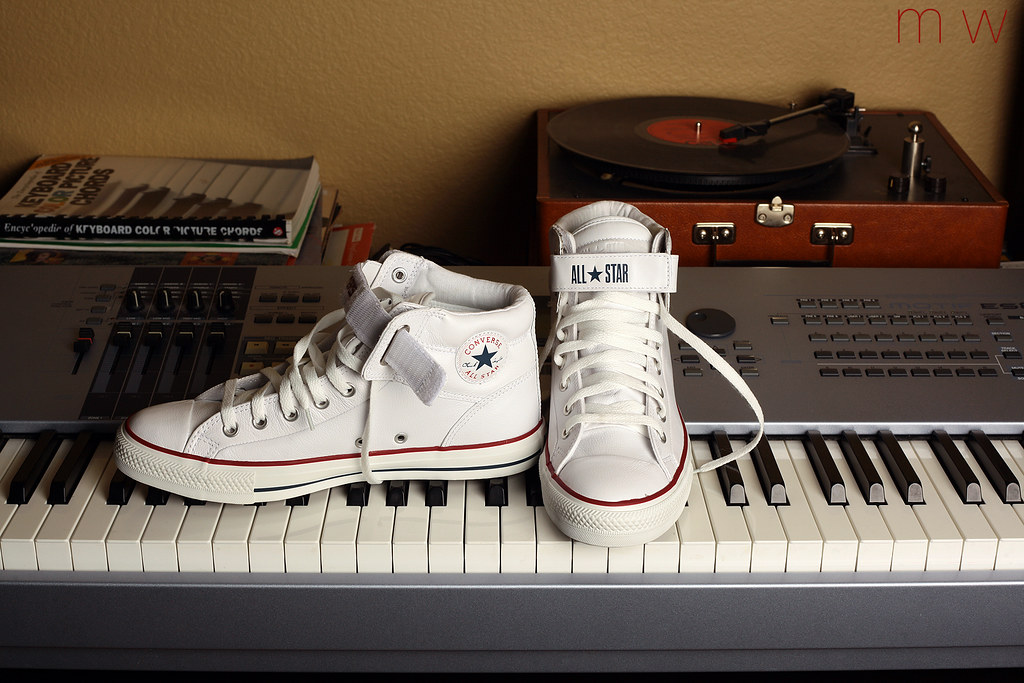 9e06742d86b3 ... White Leather Converse Padded Collar 3 Loop Back Trainers