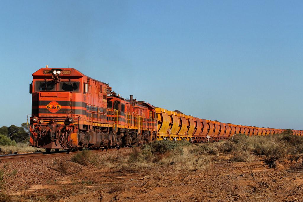 1301 907 904 DW72 loaded Iron Duke Ore 18km 23 03 2013 by Daven Walters