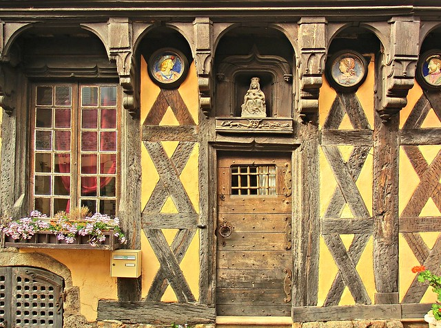 Bourbon-Lancy (Saône-et-Loire, Fr) - Magias entretejidas