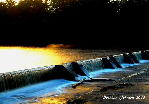 sunset reflection river landscape gold golden stream glow sydney scenic australia bluemountains slowshutter weir penrith