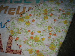 beeFF quilt back