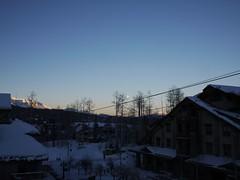 水, 2013-02-27 06:56 - 朝のテルライドと月