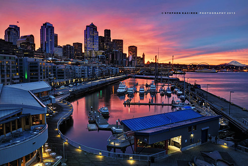 seattle skyline sunrise reflections boats harbor nikon mountrainier pugetsound mtrainier elliotbay downtownseattle seattleskyline pier66 seattlewaterfront bellharbor d90 colorfulseattlesunrise
