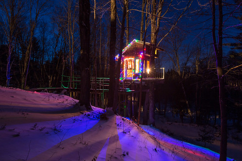 The Tiny Fern Forest Treehouse - Lincoln, VT - 2013, Feb - 02.jpg   by sebastien.barre