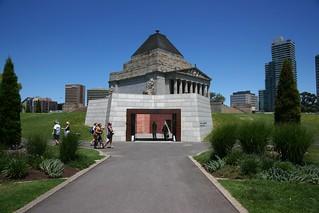 Shrine museum entrance, Melbourne   by Joe Lewit