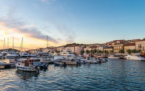 sunset summer malilošinj otoci hrvatska hrvatskiotoci islands islandlošinj otoklošinj croatia croatianislands jadranskomore jadran adriatic sea adriaticsea nikond600 nikkor173528 boats kvarner