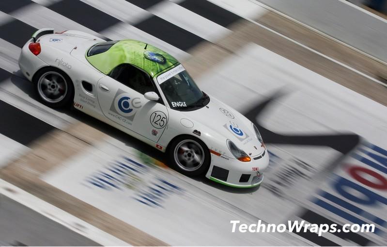 Porsche race car wrap by TechnoSigns