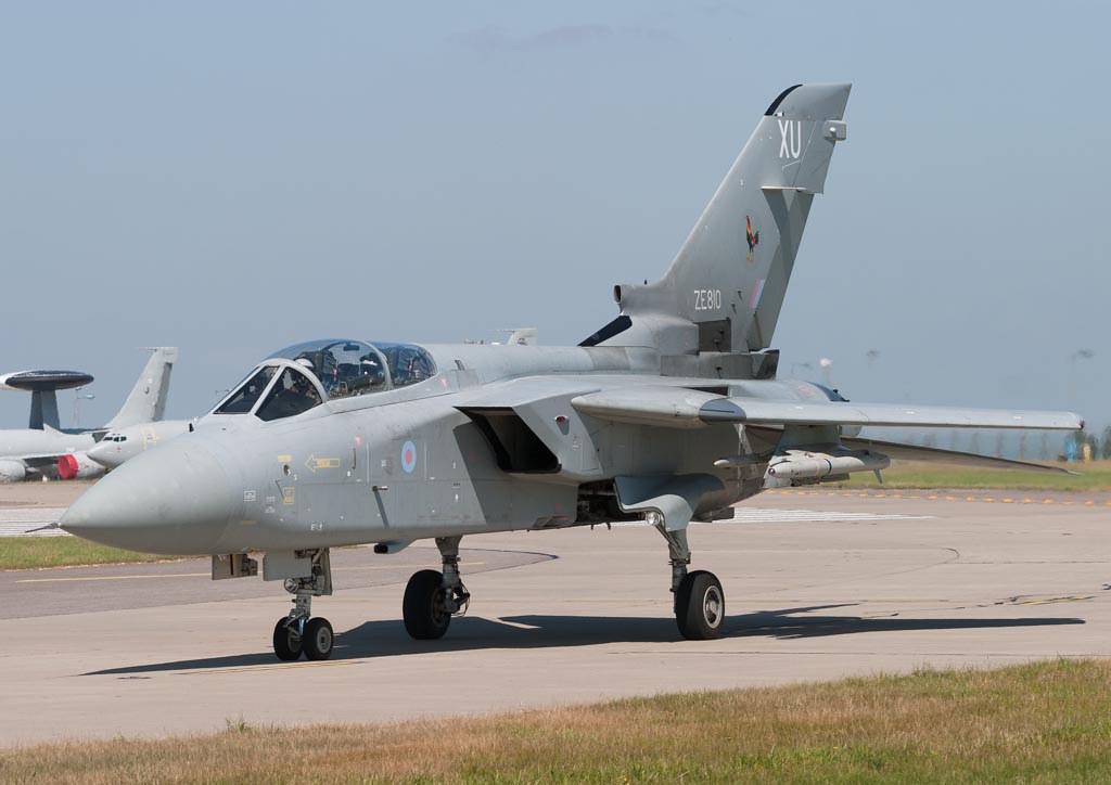 ZE810  'XU'  Tornado F3  RAF  43sq