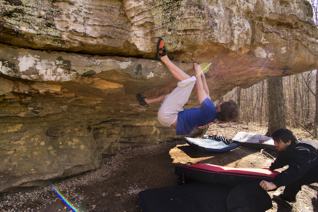 Brock Rust bouldering, Sheeps Bluff, Putnam Co, TN