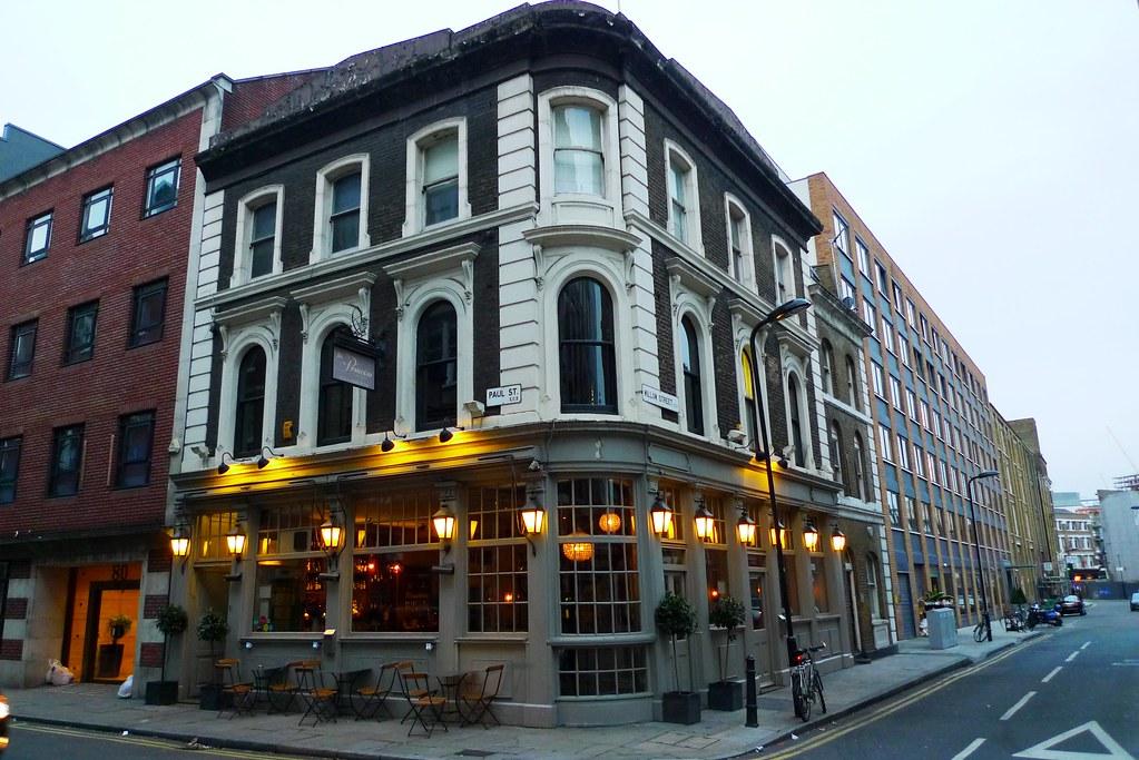 Upscale pub in Shoreditch