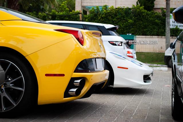 Ferrari California VS Ferrari 458 Spider - a photo on ...