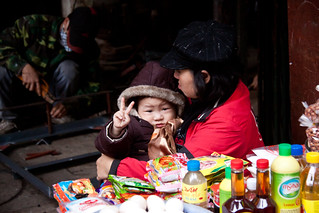 Cute Little Kid Gives a Peace Sign in the Old Quarter - Hanoi, Vietnam | by ChrisGoldNY