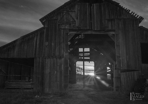 california ranch wood sunset bw sun sunlight northerncalifornia clouds barn vineyard boards nikon sonomacounty bowman riverroad d600 bobbowman rmbimages robertbowmanphotography