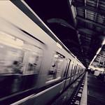 ちっ、目の前で乗り損ねた。きー。#sky #イマソラ #station #train #metro