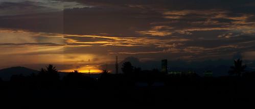 sunset panorama orange cloud sun house reed nature beautiful dawn afternoon kodak fields z650 reedfields