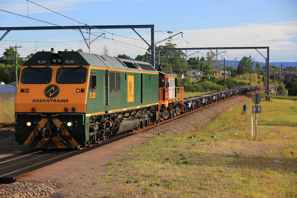 23/03/2013 RL302+852 #4211 wagon transfer @ Wyee by John  Hammett