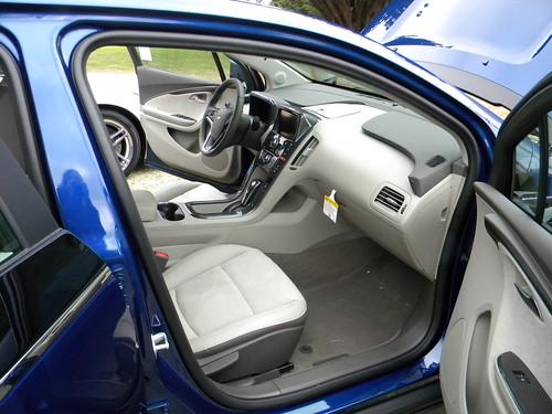 2013 Chevrolet Volt 6 Photo