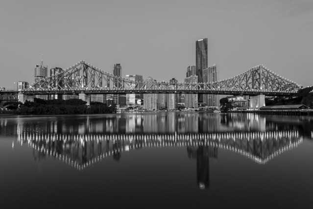 brisbane city b&w