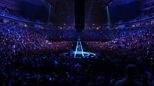 u2 u2eitour experienceinnocencetour prideinthenameoflove sap center sanjose 20180508 2018 concert music arena crowd