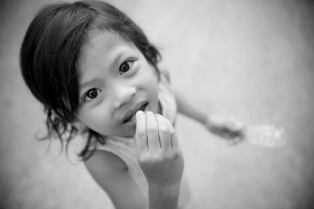 C090 Cambodian little girl - Siem Reap