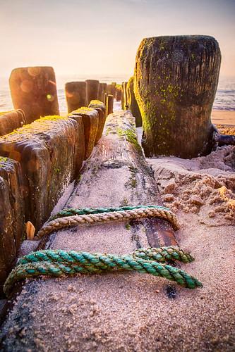 beach hdr sunrise 6d canon lensflare rope sand pier ocean