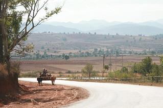 Myanmar -  Feb 2013 - Biking from Kalau east to Inle Lake (Nyaungshe town) - 60km 照片 660