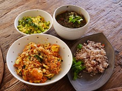 火, 2013-04-09 18:49 - 海鮮カレー、サーグ、ひよこ豆、豆入りご飯