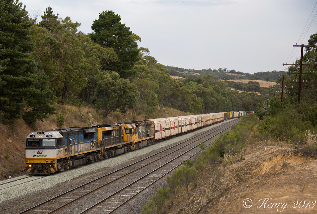 Aurizon into Heathcote Junction by Henry Owen
