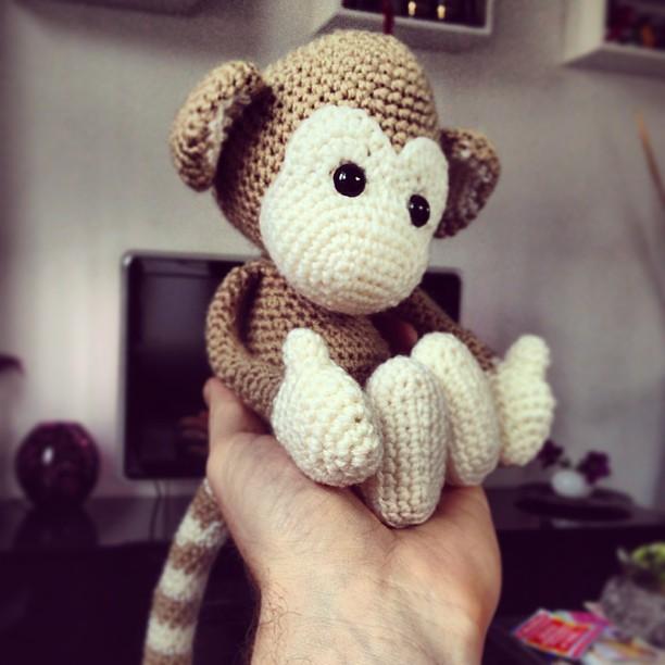 Monkey baby rattle crochet pattern | Patrones amigurumi, Muñecos ... | 612x612