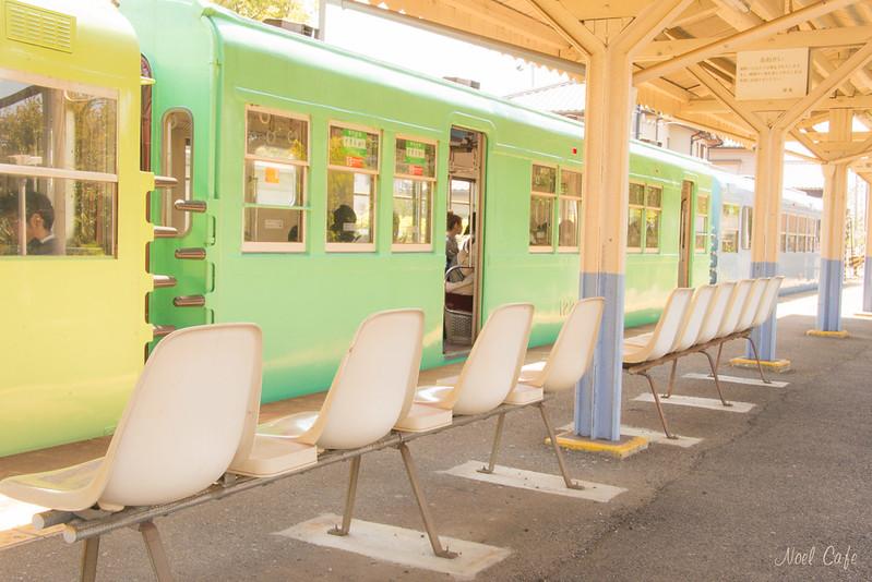 カラフル電車 by Noël Café