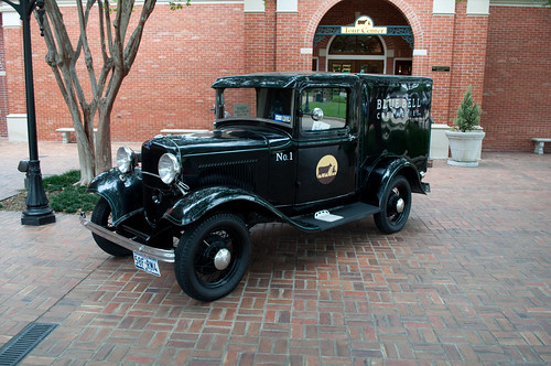 texas brenham washingtoncounty bluebell creameries creamery icecream classic delivery truck