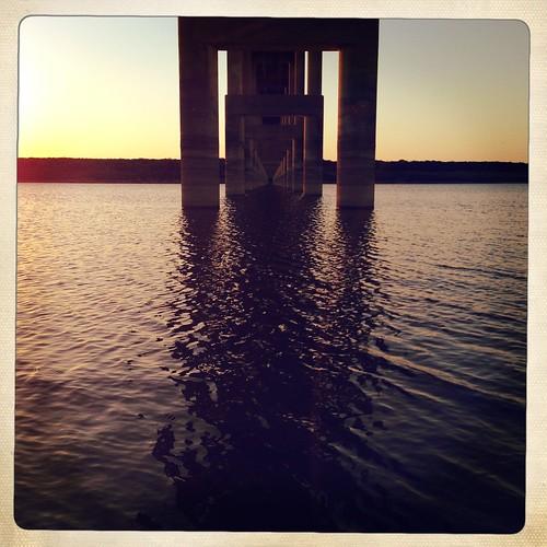 bridge sunset vanishingpoint perspective leadinglines iphoneography hipstamatic inas1969film lucasab2lens jollyrainbo2xflash purehipstamatic hipstaconnect lampassasriverbridge hipstaweekly hwanyinastuesday