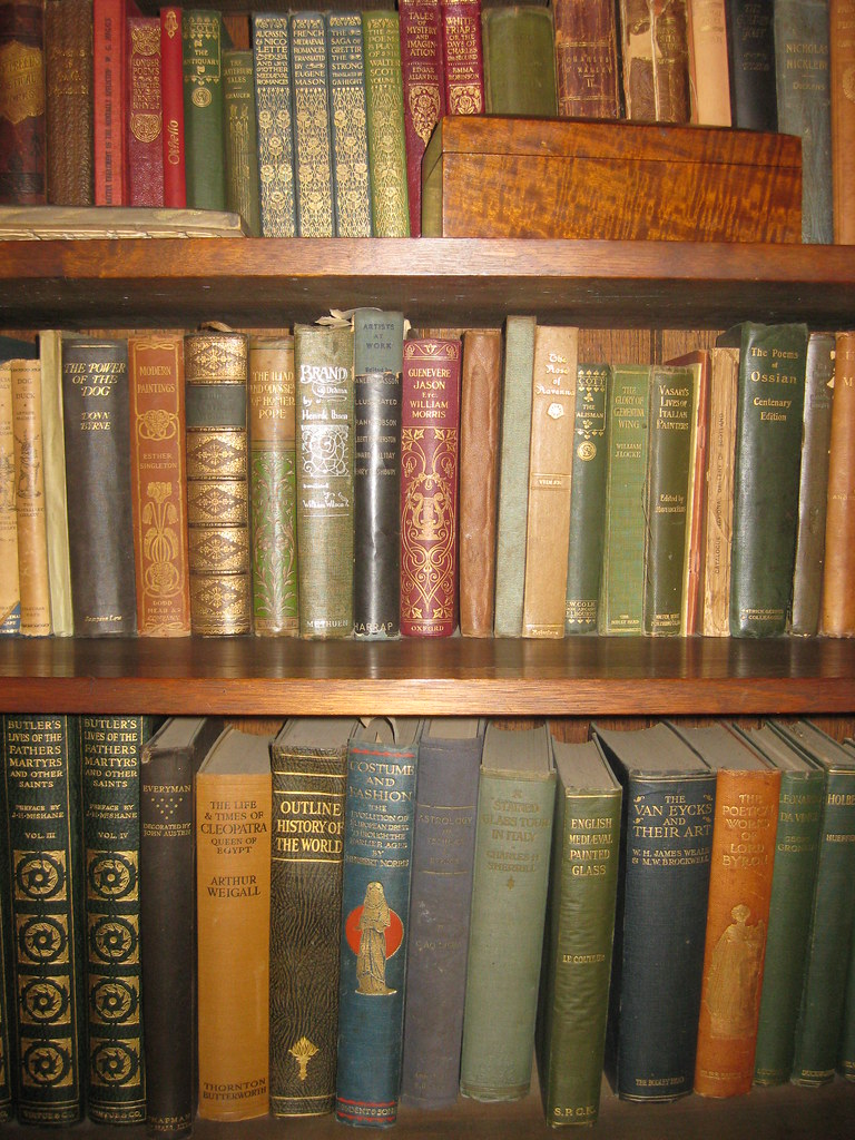 Books Belonging to Napier and Christian Waller in the Great Living Hall of the Waller House – Fairy Hills