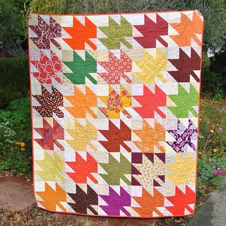 Modern Maples quilt finished, and it's still fall! Keeping this one for myself. #modernmaples