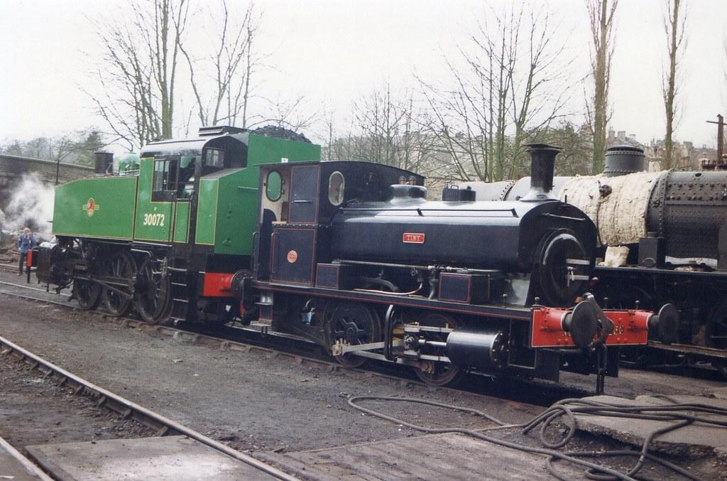 Class USA 0-6-0T 30072 & Andrew Barclay 0-4-0ST 2258 'Tiny'