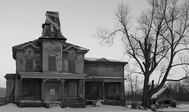 """The """"Ghost House"""" on Route 125"""