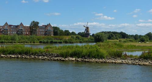 1410235 panasonicdmcfz150 gorinchem gorkum gorcum zuidholland nederland netherlands holland molendehoop vestingdriehoek windmolen windmill