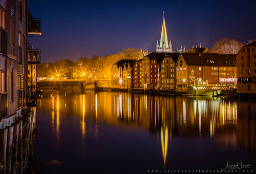Trondheim night with Nidelva Mirror