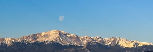 moon mountain sunrise pikespeak