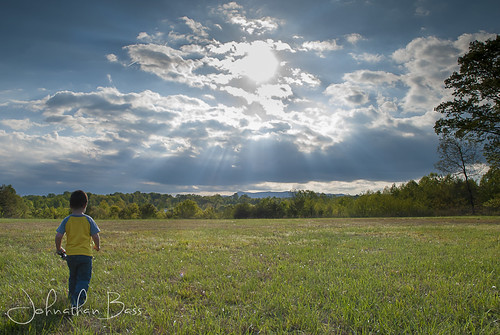 blue boy sun sunlight mountains field clouds landscape spring nikon toddler child little cloudy bass ridge johnathan rays sunrays d80