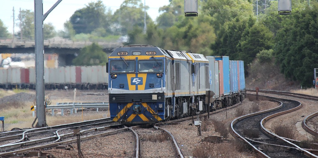 EL 53 heading 5166 Containers approaching Maitland by Nathan Hurn
