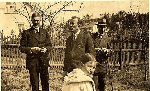 Vidkun Quisling og tre ukjente personer, trolig 1930-tallet.
