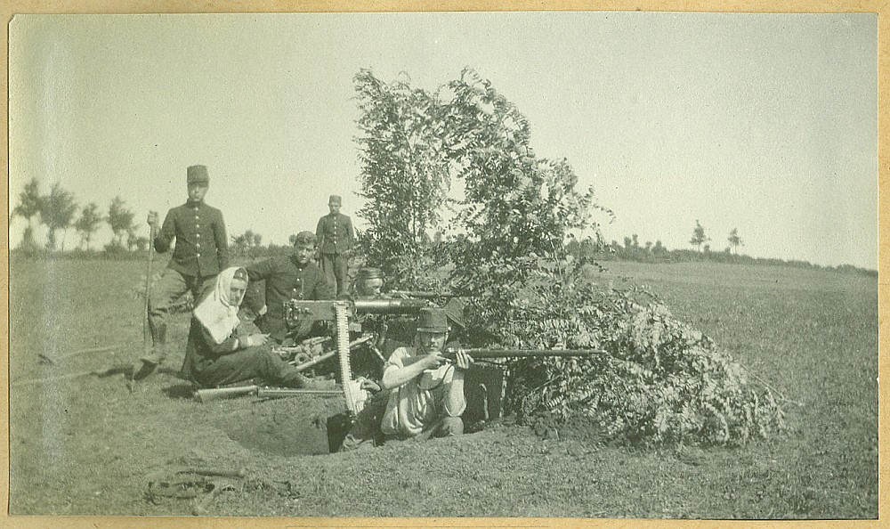 Een Belgische mitrailleursstelling in de eerste maanden van Wereldoorlog I | An improvised machine gun position of the Belgian army in the first months of the First World War