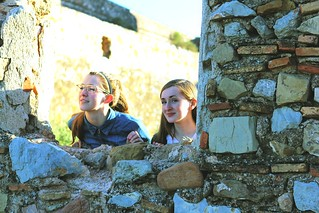 Girls looking through wall at Sagunt | by FeistyTortilla